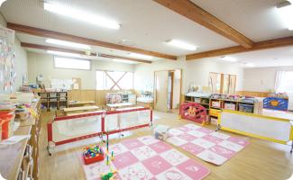 ほふく室2(乳児室横)
